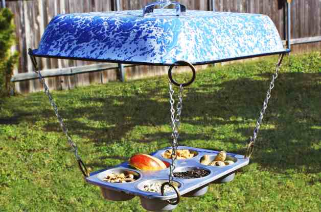 Muffin-Tin-DIY-Bird-Feeder-Horizontal.jpg